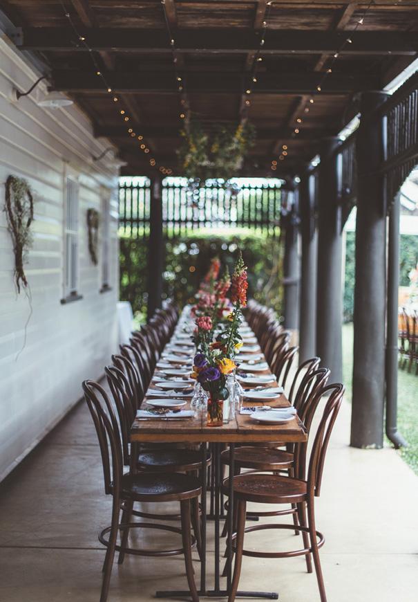 best-DIY-backyard-wedding-ladder-floral-styling-inspiration4