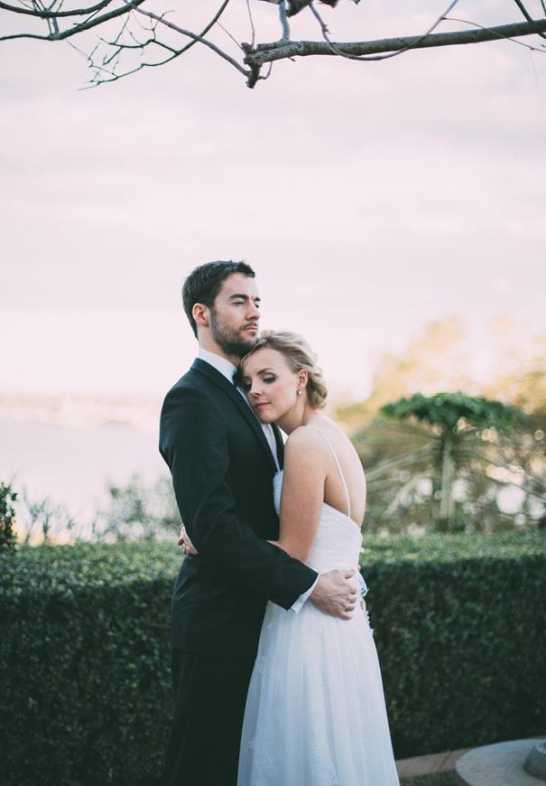 best-DIY-backyard-wedding-ladder-floral-styling-inspiration6