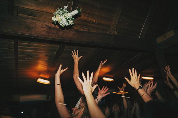 hunter-valley-wedding-photographer-amanda-garrett-bridal-gown56