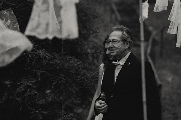 netherlands-real-wedding-provincial-backyard-bbq35