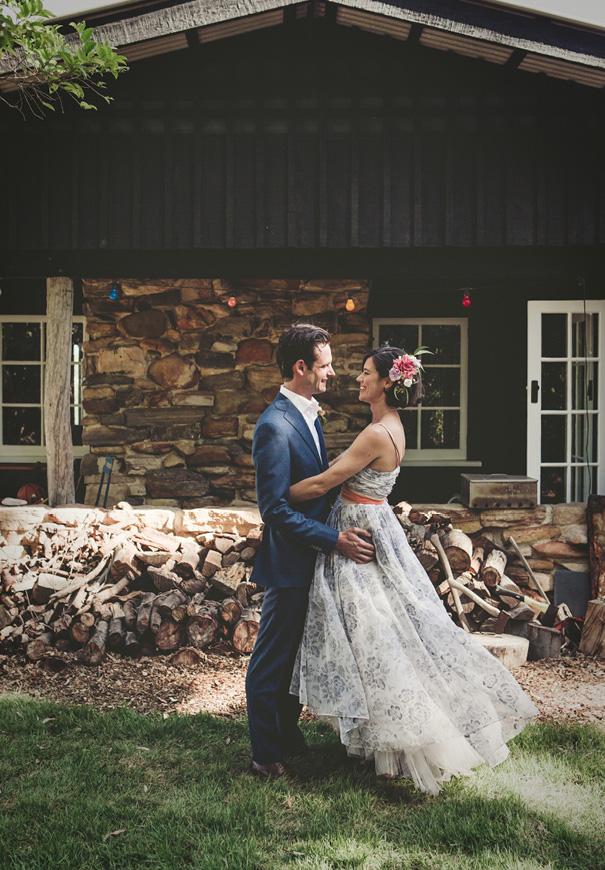 vintage-bridal-gown-blue-wedding-dress-backyard-inspiration10