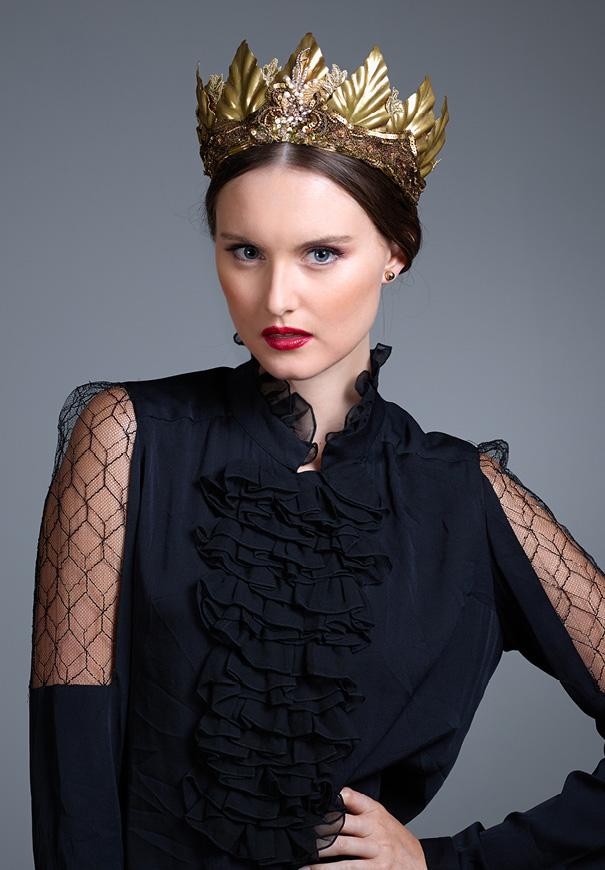Viktoria-Novak-The-Pale-Empress-gold-leaf-wreath-bridal-accessories-crown13