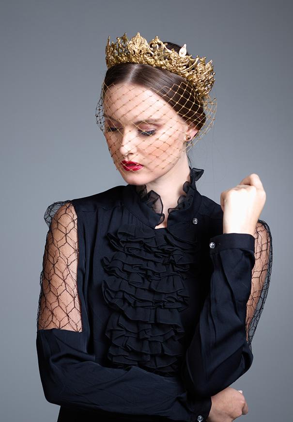 Viktoria-Novak-The-Pale-Empress-gold-leaf-wreath-bridal-accessories-crown5