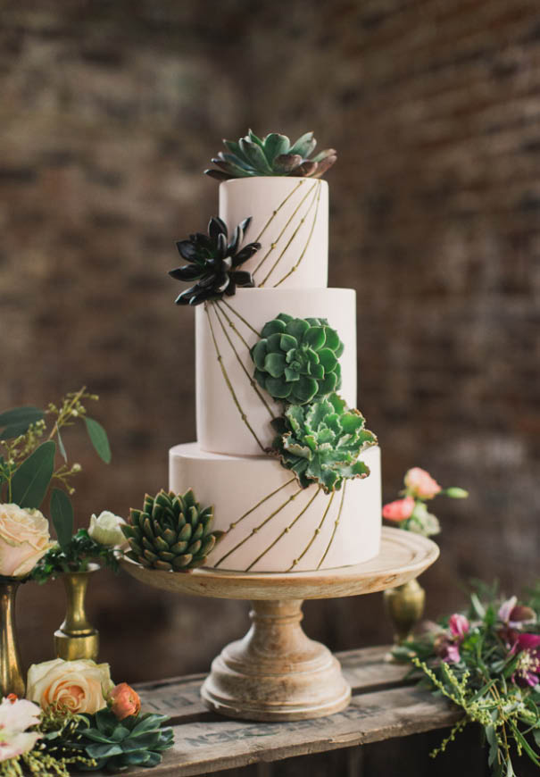 cool-wedding-cake-ideas-fruit-flowers-succulents-dessert12
