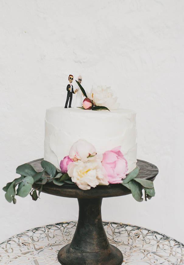 cool-wedding-cake-ideas-fruit-flowers-succulents-dessert13