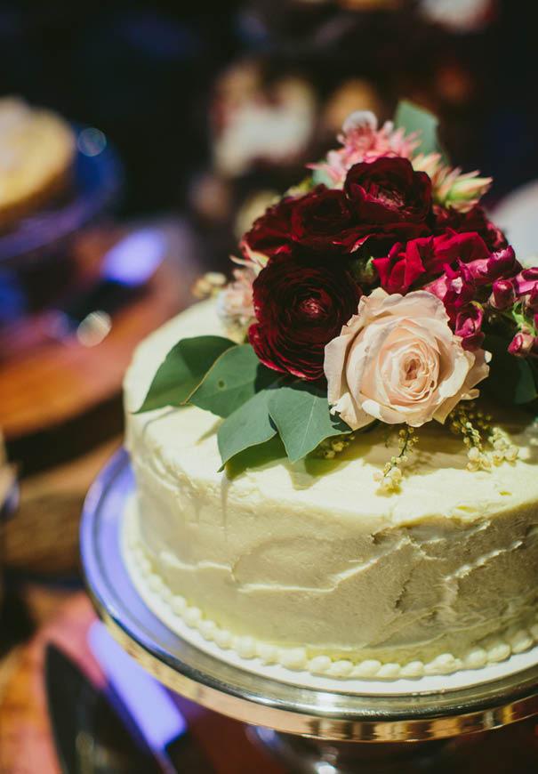 cool-wedding-cake-ideas-fruit-flowers-succulents-dessert14