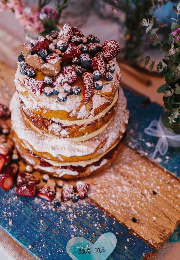 cool-wedding-cake-ideas-fruit-flowers-succulents-dessert2