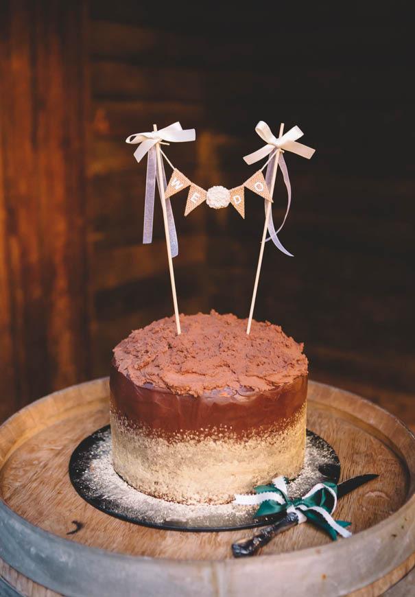 cool-wedding-cake-ideas-fruit-flowers-succulents-dessert5