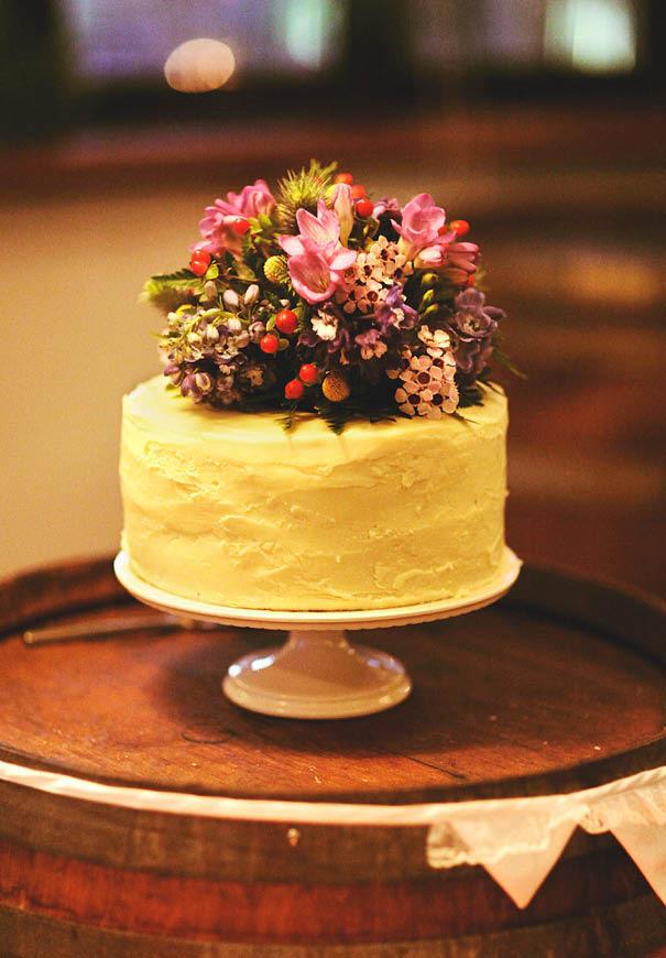 cool-wedding-cake-ideas-fruit-flowers-succulents-dessert7