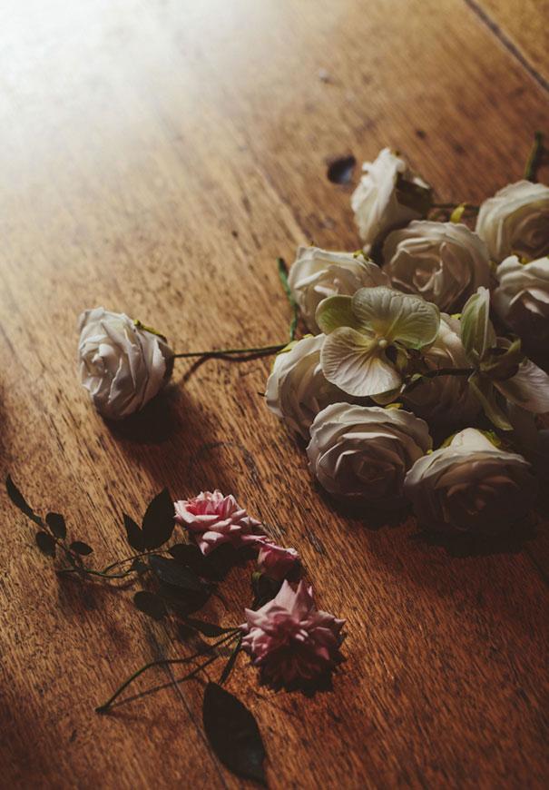 forever-soles-karen-willis-holmes-beck-rocchi-wedding-photographer-barefoot-bride