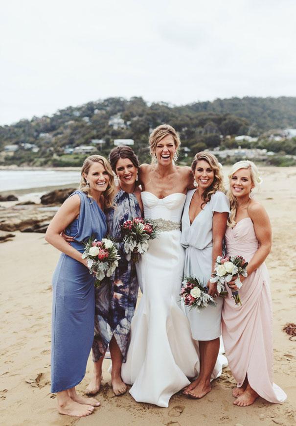 forever-soles-karen-willis-holmes-beck-rocchi-wedding-photographer-barefoot-bride2