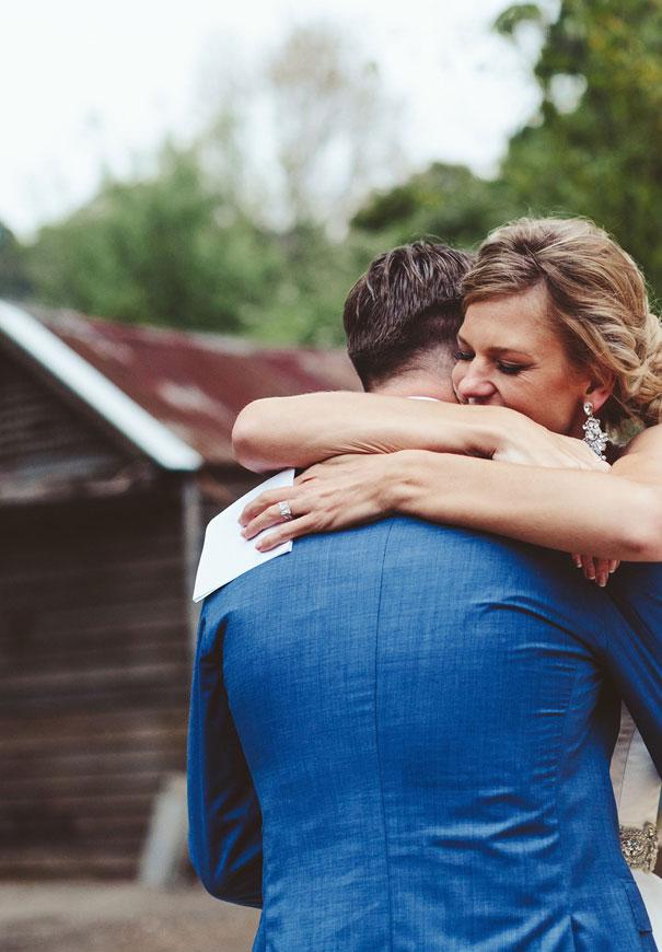 forever-soles-karen-willis-holmes-beck-rocchi-wedding-photographer-barefoot-bride4