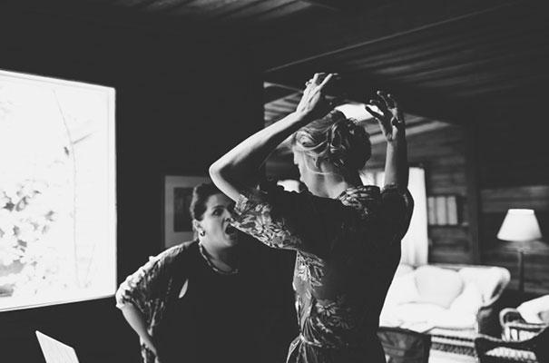 karen-willis-holmes-beck-rocchi-wedding-photographer-barefoot-bride5