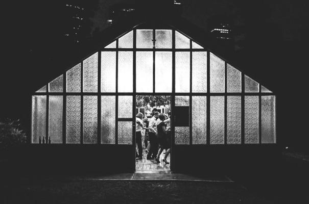 lara-hotz-botanical-gardens-sydney-wedding-net-a-porter-bridal-gown49