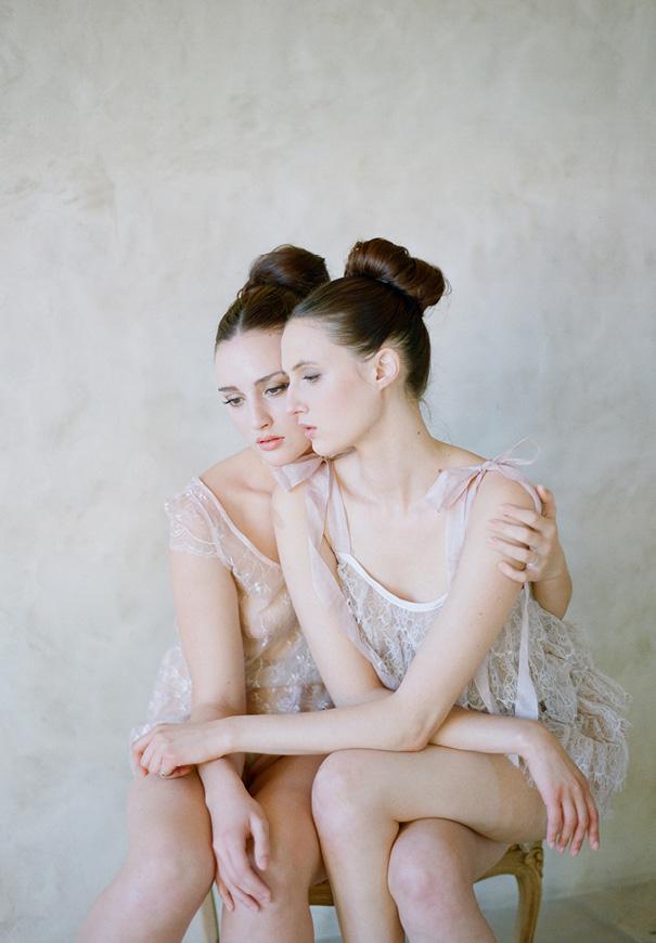 twigs-and-honey-bridal-accessories-wedding-dress-elizabeth-messina24