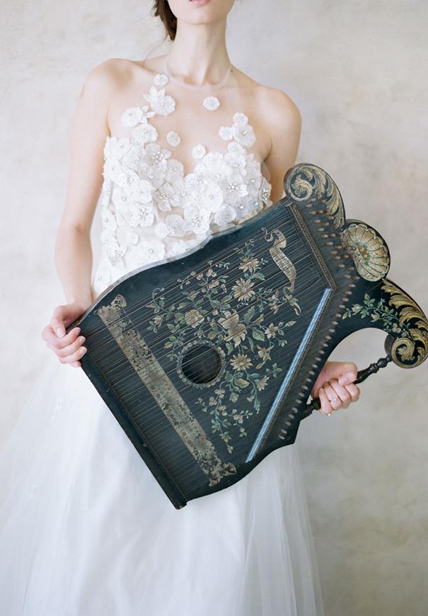 twigs-and-honey-bridal-accessories-wedding-dress-elizabeth-messina3
