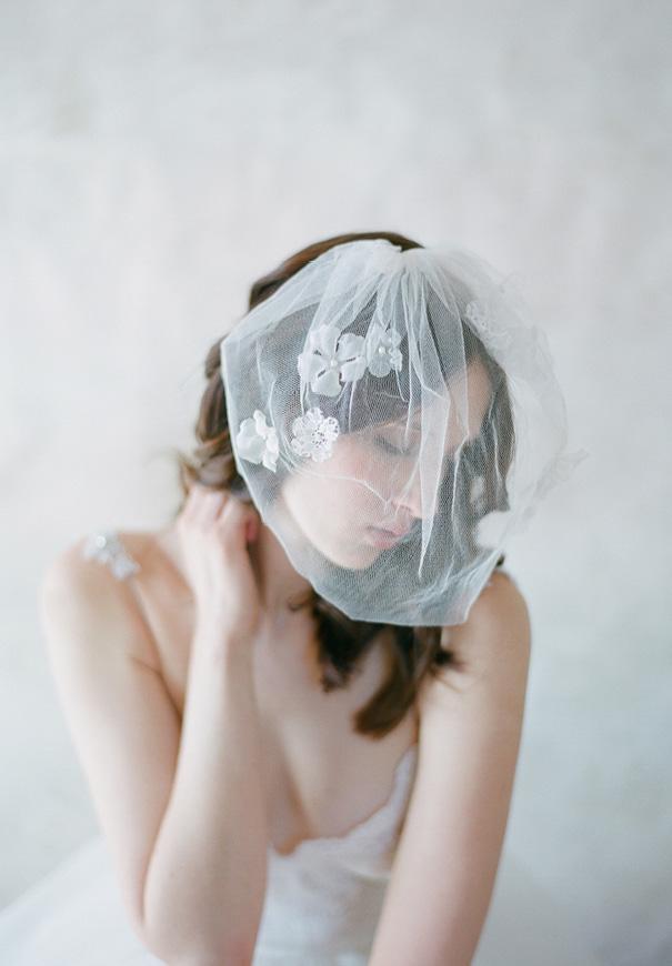 twigs-and-honey-bridal-accessories-wedding-dress-elizabeth-messina5