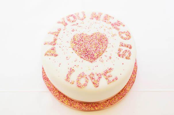wedding-cake-different-ideas-fruit-flowers-succulents-dessert3