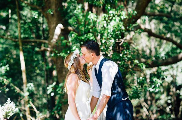 zimmerman-bridalgown-backyard-casual-wedding17