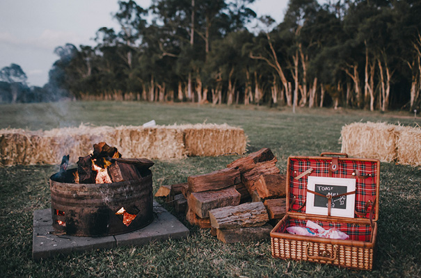 DIY-country-australian-farm-backyard-wedding50