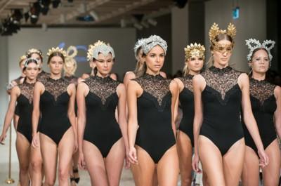 Viktoria-Novak-The-Pale-Empress-gold-leaf-wreath-bridal-accessories-crown18