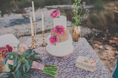 pink-hair-rock-n-roll-gypsy-boho-bridal-inspiration-styling-ideas-cake-wedding17