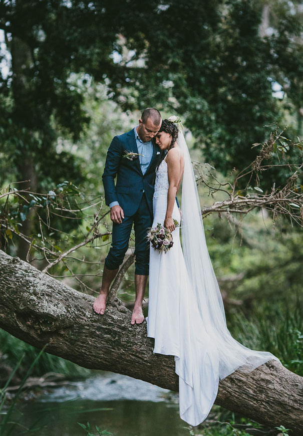 QLD-wedding-photographers-barefoot-bride4