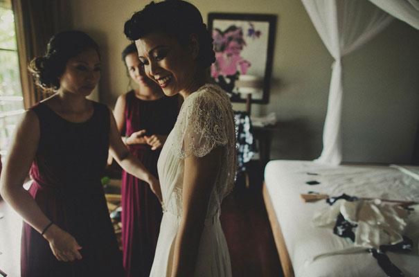 bali-wedding-jenny-packham-bridal-gown-dan-oday-photography11