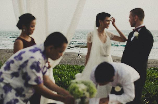 bali-wedding-jenny-packham-bridal-gown-dan-oday-photography21