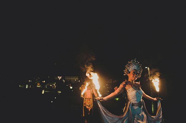 bali-wedding-jenny-packham-bridal-gown-dan-oday-photography50