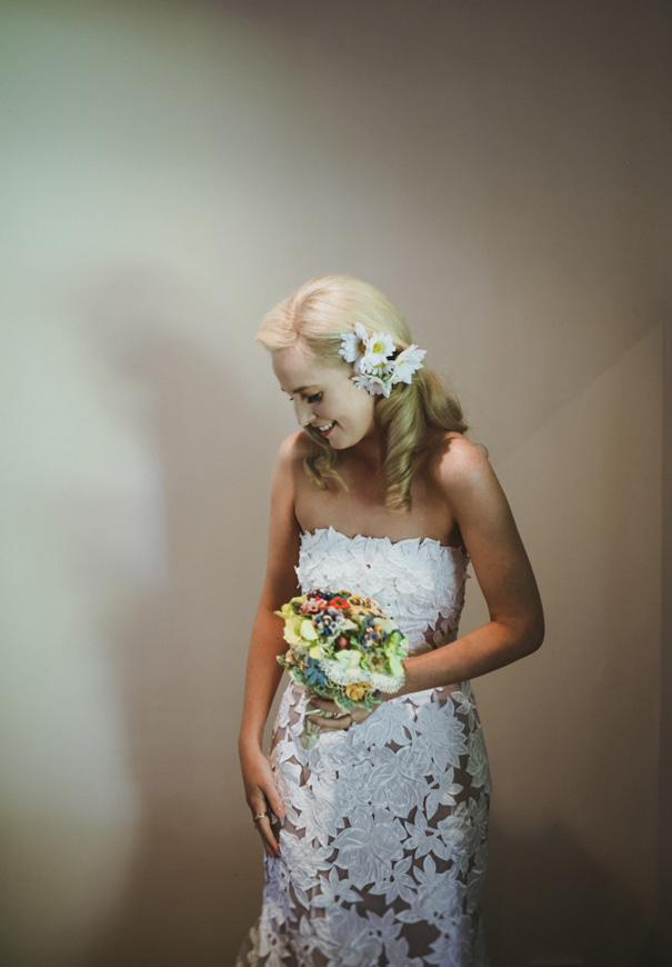 daisies-yellow-retro-bride-wedding