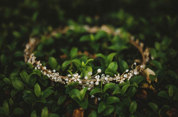 paolo-sebastian-bridal-gown-south-australian-wedding-twigs-and-honey-gold-wreath4