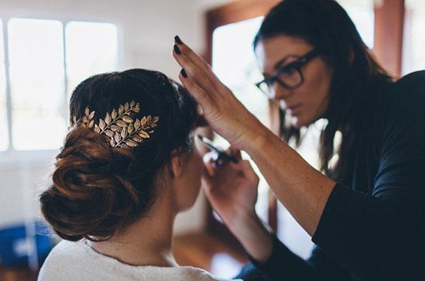 stories-by-ash-queensland-wedding-gold-wreath-bride10