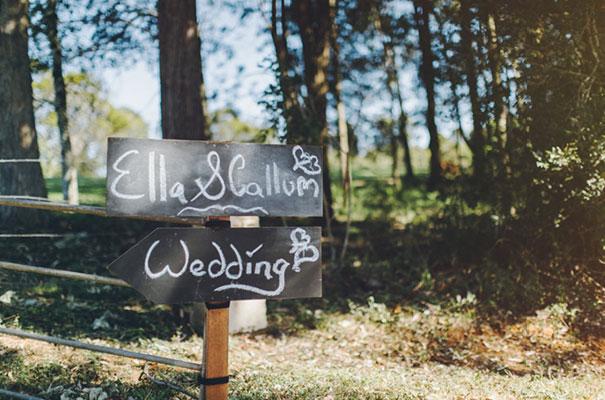 stories-by-ash-queensland-wedding-gold-wreath-bride13