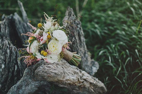 stories-by-ash-queensland-wedding-gold-wreath-bride45