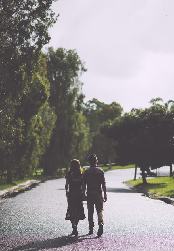 rainy-engagement-photos-love-wedding-umbrella2