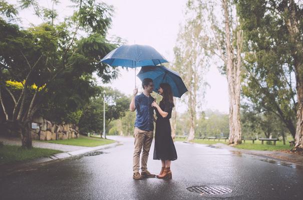 rainy-engagement-photos-love-wedding9