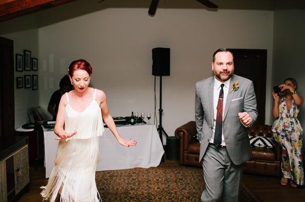 retro-vintage-bride-rock-n-roll-wedding27