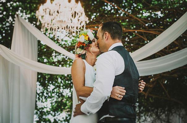thailand-destination-wedding-photographer-flower-crown16