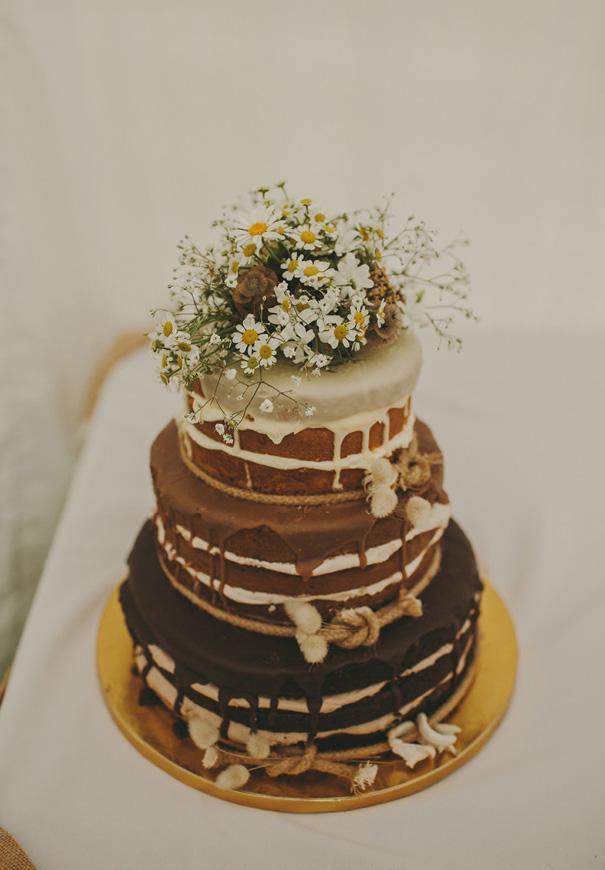 NZ-rue-de-seine-danelle-bohane-new-zealand-backyard-wedding-inspiration-daisies512
