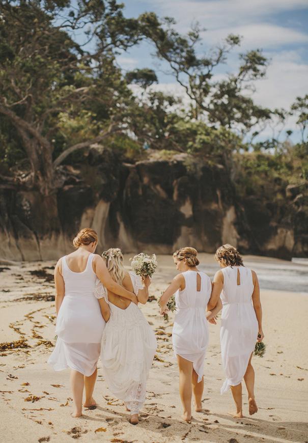 NZ-rue-de-seine-danelle-bohane-new-zealand-backyard-wedding-inspiration-daisies54