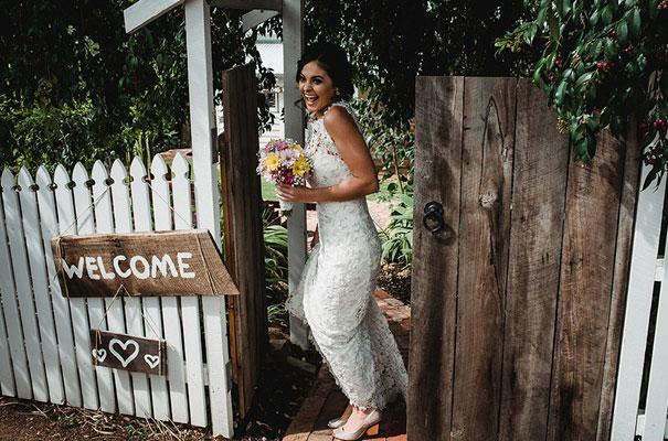 backyard-wedding-wild-daisies-purple-yellow6
