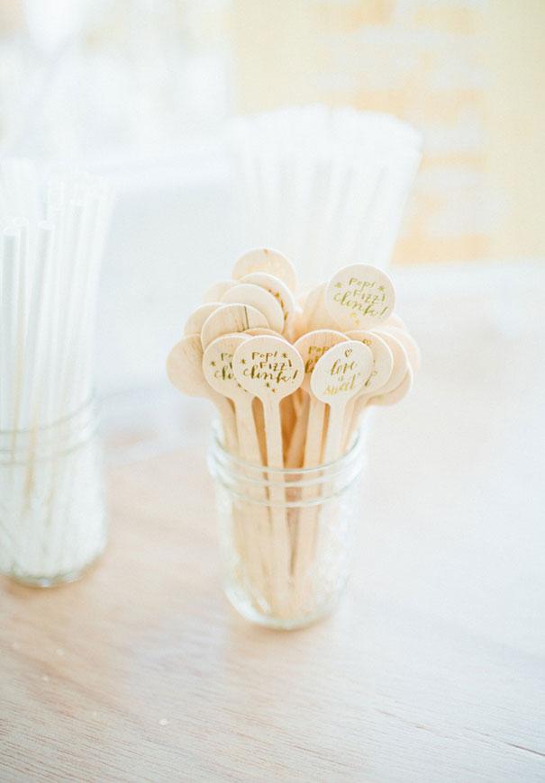 cool-wedding-favour-ideas-inspiration-DIY-jars-plants5