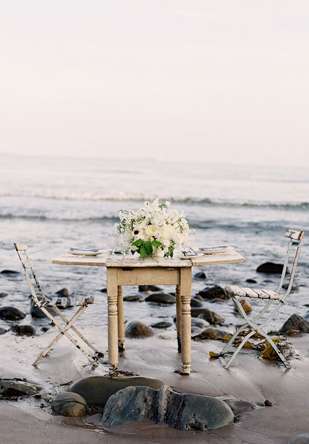 jose-villa-beach-coastal-barefoot-romantic-bridal-inspiration-wedding-styling4