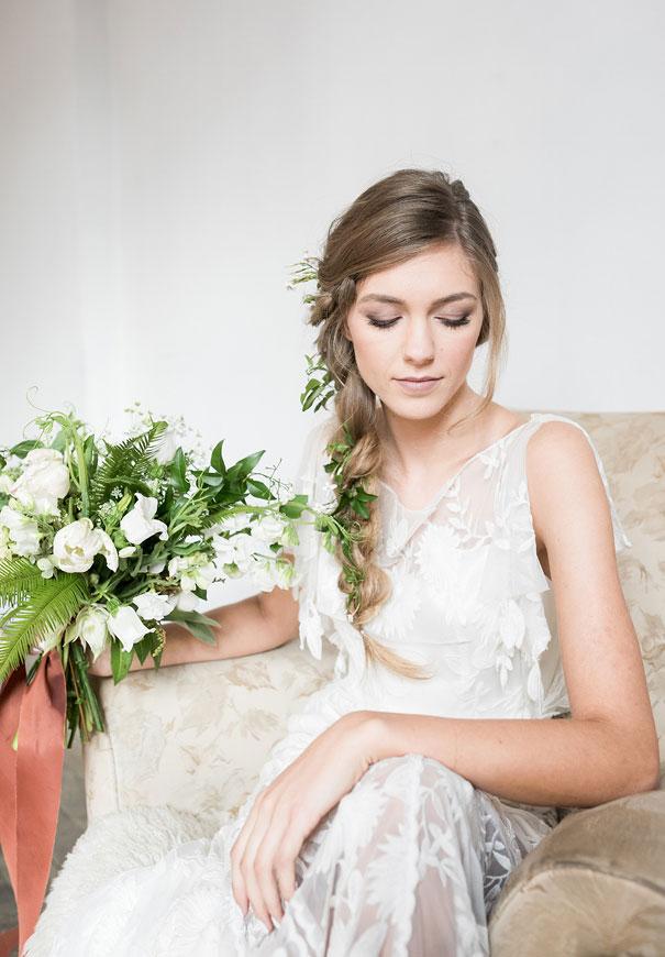 romantic-white-elegant-bride-wedding-lighting3