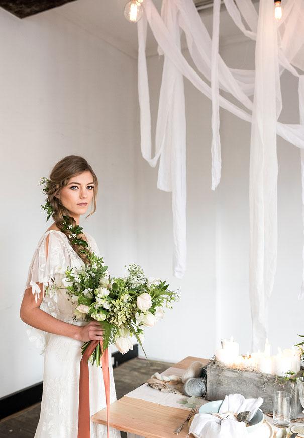 romantic-white-elegant-bride-wedding-lighting4