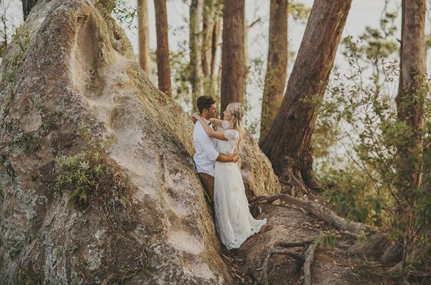 rue-de-seine-danelle-bohane-new-zealand-backyard-wedding-inspiration-daisies27