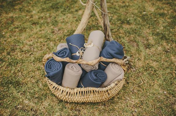 rue-de-seine-danelle-bohane-new-zealand-backyard-wedding-inspiration-daisies34