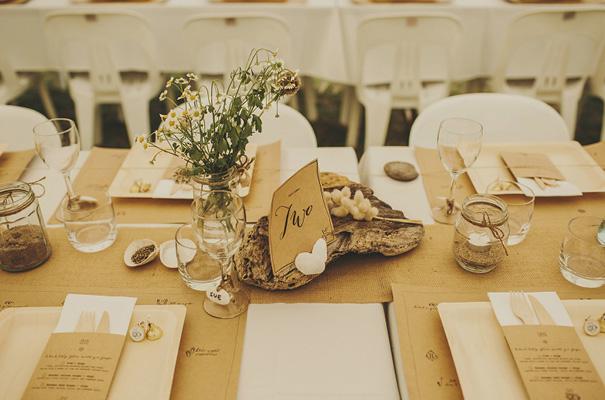 rue-de-seine-danelle-bohane-new-zealand-backyard-wedding-inspiration-daisies39