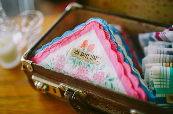 wedding-favour-ideas-inspiration-DIY-jars-plants5